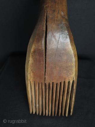 "Anatolian wood weaving comb. Size: 12"" - 30 x 3.5"" - 9 cm x 1.5"" - 4 cm."