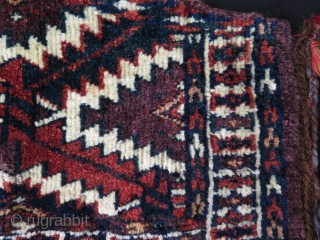 Turkmen small Yomud asmalyk. Great saturated natural colors. Size 10.5 x 19 - 27 cm x 49 cm