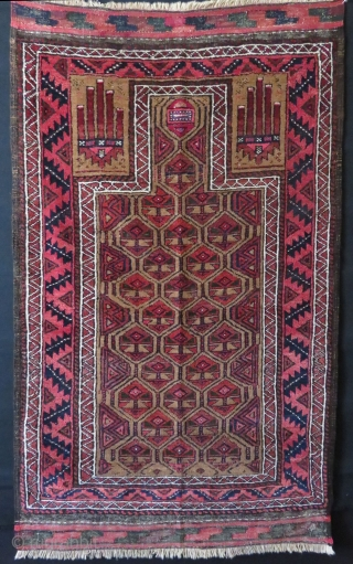 "Baluch prayer rug. Camel hair and natural colors. Circa 1920's. Size : 30"" x 49"" - 76cm x 124cm."