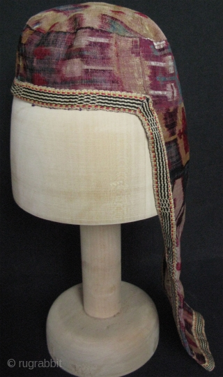 Uzbekistan - Bokhara silk velvet ikat head wear (Kelle Push).