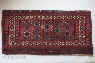 """Turkmen Yomud Torba. moinor old moth damage on the border as seen on images. Still has original backing and full pile. circa 1900 - size : 29"""" X 14.5"""" - 74 cm  ..."""