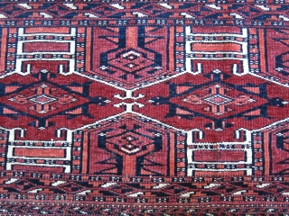 "Turkmen Saryk kejebe design torba.. wool and cotton on whites, no silk, all good colors. Circa 1900 or earlier. Size: 44"" X 15"" - 112 cm x 38 cm"