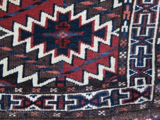 """Turkmen Tomud small size Asmalyk.. All natural saturated colors, fine weave with all original tassels. Circa : 1900 - 1920s size:  25"""" - 16.5"""" - 64 cm X 42 cm"""