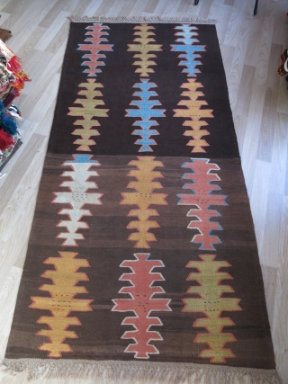 "Persian Hallech all wool village kilim. natural colors with brown abrashes. Circa 1920s - size : 103"" X 49"" - 261 cm X 125 cm"