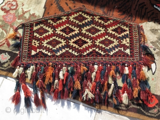 """Great full pile Turkmen Yomud small size asmalyk. Size: Height: 16"""" 40 cm - with tassels 24"""" - 60 cm and width 31"""" - 79 cm."""