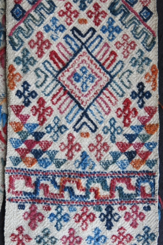 """Bhutanese fine wool sash. All saturated natural colors. Circa 1900 - size : 72"""" - 6.5"""" - 182 cm X 17 cm"""