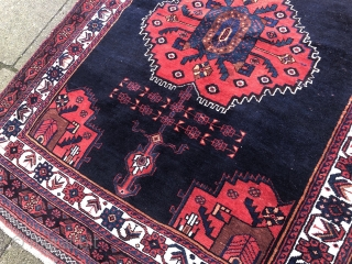 A lovely small antique Southpersian Afshar rug, beautiful drawing. Size: 147x113cm / 4'8''ft x 3'7''ft