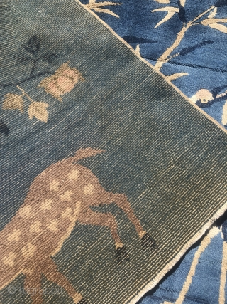 A lovely Chinese pictorial rug with deers and birds. Size: ca. 150x95cm / 5ft x 3'1''ft