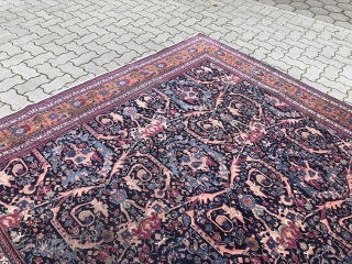 Fine Persian Tabriz carpet, very decorative, age: circa 1920. Size: circa 325x235cm / 10'7''ft x 7'7''ft