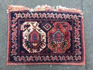 Antique Afshar bag with birds. Origin: Southpersia. 19th century. Size: ca 40cm x 30cm / 1'3'' x 1'ft Nice collector´s piece. Some moth damage.