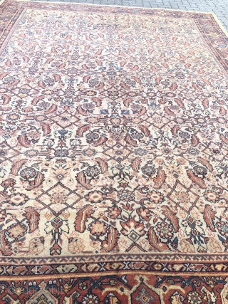 Antique Persian Mahal carpet, very decorative. Good condition, size: 420x320cm / 13'8''ft x 10'5''ft