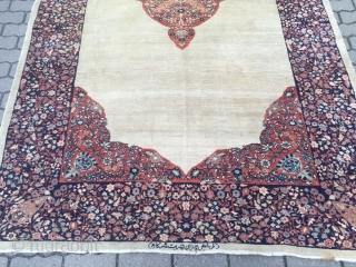Fine antique Persian Ferahan carpet from the well known Ghazan workshop , size: ca. 335x185cm / 11ft x 6'1''ft , some wear in the upper area.