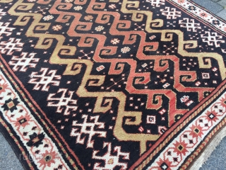 Antique Caucasian rug with a very rare design, size: ca. 180x130cm / 6ft x 4'3''ft www.najib.de