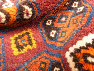 Cheerful Uzbek bag front with soft long wool. Nice original kilim end. 65x63 cms