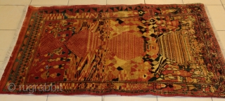 Very Unusual Bakhtiayri rug size 180x90 cm circa 1940 perfect condition.