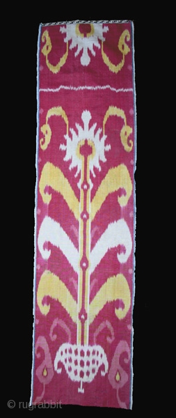 Ikat fragment cod. 0266 One of the items posted on my website www.nonplusultra.cloud Size cm. 31 x 120 (12 x 47 inches). Late 19th. century. Very good condition.