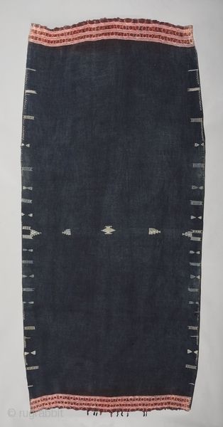 "Woman's mantle ""Backhnug"". Wool cotton tie-dye. Berber people. Matmata area. Tunisia. Early 20th. century. Good condition with one old patch. Cm. 110 x 216 (3'7"" x 7'1"")."