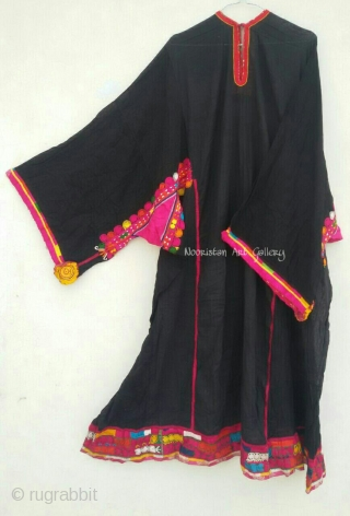 Tribal vintage Traditional pashtun Woman dress from Pakistan.Exquisite hand embroidery done with silk threads.In it's best condition.It is a large sized dress.