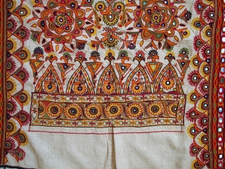 #1C428 Hand made vintage Indian wall hanging embroidered tapestry 3.1' x 5.5' ( 95cm x 170cm ) C.1950