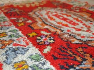 #1C456  Hand made antique Moroccan Berber rug 1.7' x 2.8' ( 54cm x 85cm) 1930.C