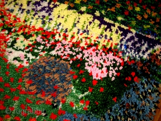 #1C109  Hand made vintage American Hooked rug 2' x 2.4' ( 61cm x 73cm ) C.1980