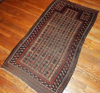 #1B219  Hand made antique collectible Baluch prayer rug 2.10' x 5.3' ( 91cm x 161cm) 1880.C