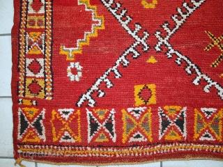 #1C435  Hand made Moroccan Berber rug 5.8' X 9.8' ( 178cm X 300cm)