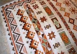 #1B555  Vintage Belgium Savonnerie rug 6.3' X 8.7' ( 192cm X 265cm ) C.1960