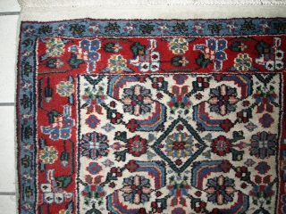 #1C377  Hand made vintage Indian Agra rug 2.3' x 4.5' ( 70cm x 137cm ) 1970.C
