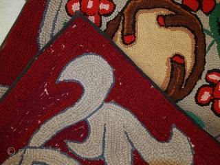 #1C341  Handmade antique American Hooked rug 2,2' x 4,4' ( 67cm x 135cm ) 1930.C