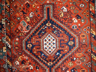 #1C449  Hand made antique Persian Gashkai rug 3.8' x 5.2' ( 116cm x 160cm ) C.1920