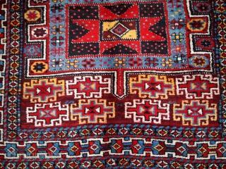#1B419  Handmade antique Persian Kurdish rug 4' x 8' ( 122cm x 243cm ) 1880.C