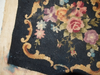 #1C560  Handmade antique English Needlepoint 1.3' x 1.4' (42cm x 45cm) 1930.C