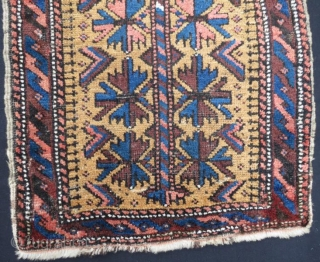Antique beluch yastk pure wool natural color in good conditiom .80 x 48 cm