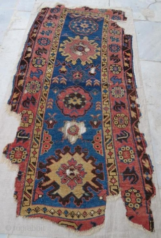 19 th century Dagistan Avar Rug with damage . 170 x 80 cm
