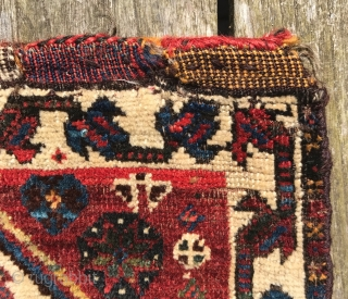 Fine antique Khamseh bagface. 19th century. 42 x 46cm. Soft wool and rich colours.