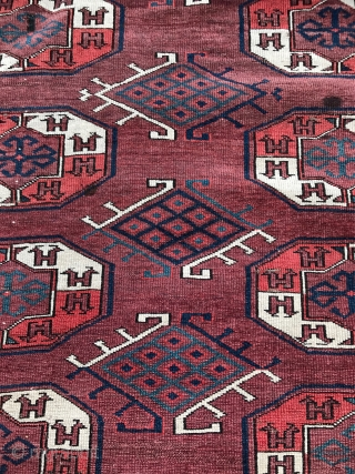 Antique Yomut main carpet. Tauk naska main guls with dyrnak variant secondaries. Great boat border. 282 x 172cm. Possibly early 19th century. Some wear and damage but essentially complete. Fresh to the  ...