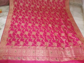 Vintage real zari pink jumbo size dupatta from Alwar Rajasthan made in Varanasi India for the royal family's in India the dupatta is in very mint condition and size is 11 feet  ...