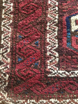 nice interesting baluch, symetrically knotted with nice wool and patinated natural colors. good condition..