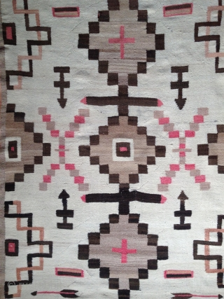 beautiful navajo blanket, very fine weave and super soft handle. no restorations and very good condition. around 1900.