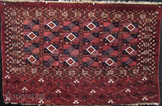 """19th century Aina Gul Chuval in perfect condition. Extraordinarily refined and executed design. (29.5"""" X 46.5"""")"""