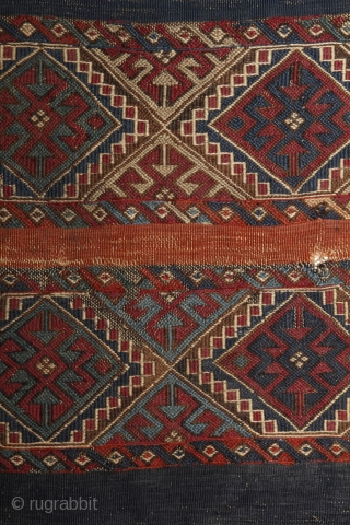 Very early anatolian Ala Chuval. 100x83 cm.
