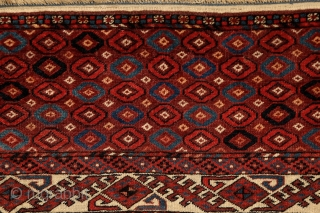 "Yomud ""Kepse"" main carpet, at least mid. 19th century, 320x210 cm, wonderfully balanced spacious design with floating, rounded -early type of- Kepse-göls, and rare type of skirt design. Deep and saturated natural  ..."