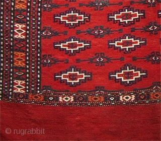 This flatwoven complete tent bag exemplifies the Turkmen love for madder red. Though probably woven in the early twentieth century the spacing of the field elements recalls the proportions of earlier weavings.  ...