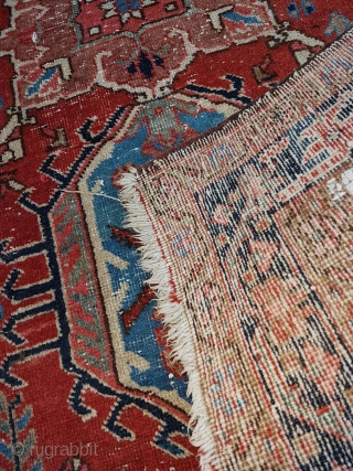 This is a 1900s Karajah 130x95 cm or 4.3x3.1 feet in overall OK condition with traces of use and age. Note some wool discoloratio around the border