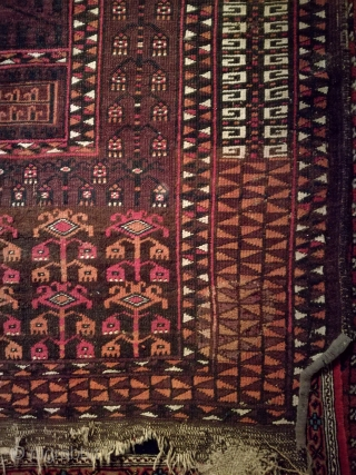 Antique Turkmen rug, Saryk ensi, with 190/150 cm. Demages.