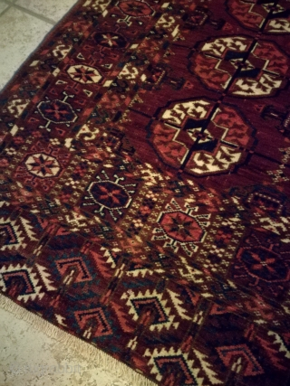 An antique Tekke rug, 160/120 cm. Used and signs of wear. Fine with good wool.
