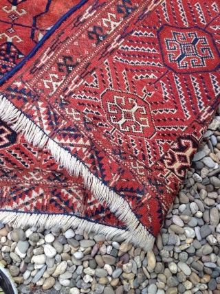 An antique Tekke carpet 315/210 cm. Signs of use.