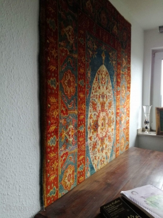 An antique anatolian Oushak rug, 183/130 cm. Good shape. Soft handling, great colors, fine weaving.