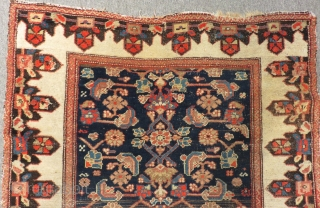 Old Persian Hamadan Carpet Size.134x105cm